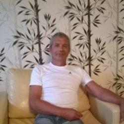 Парень из Оренбурга, ищу девушку для секса. Люблю делать куни.в разных позах и очень долго