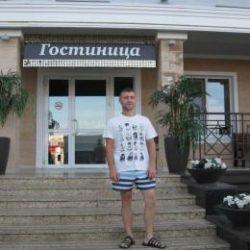 Парень. Ищет стройную девушку для секса без обязательств в Оренбурге.